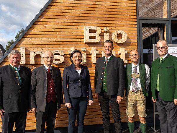 Eröffnung Biozentrum Raumberg mit Bundesministerin Köstinger und Führungskräften