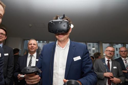 Potenziale der Digitalisierung im Bauwesen und ãPremiereÒ von bu